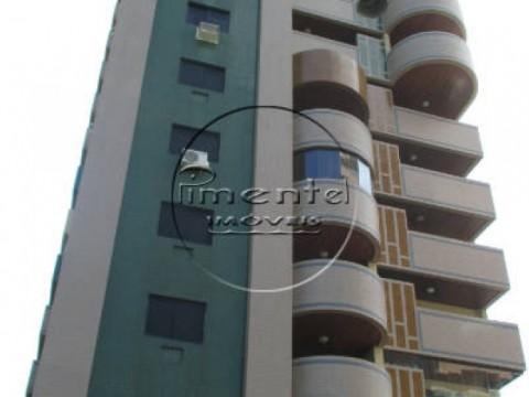 Apartamento 2 suites p/ alugar no Forte