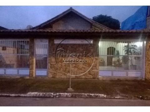 Casa geminada 3 dormitórios para venda no Tude Bastos