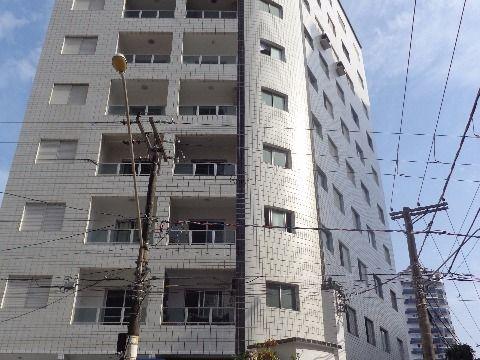 Apartamento Reformado 1 dormitório p/ venda na Ocian à 100 m. da praia