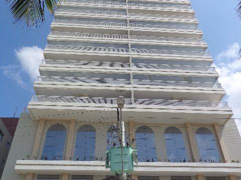 Apartamento 3 suites p/ venda na Aviação - Prédio à Beira Mar