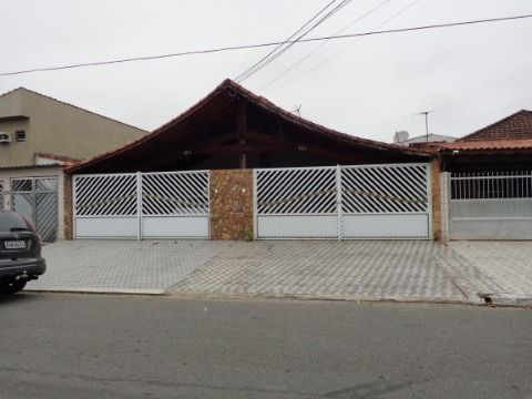 Casa Geminada 3 dormitórios p/ venda no Tude Bastos