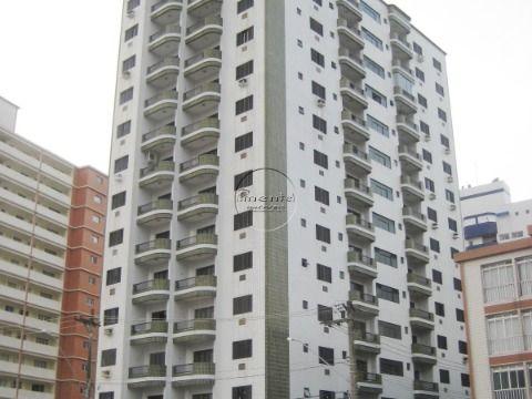 Apartamento 3 dormitórios p/ venda no Forte Prédio à Beira Mar