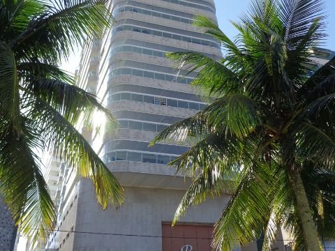 Apartamento 3 suites p/venda na Aviação Prédio à Beira Mar