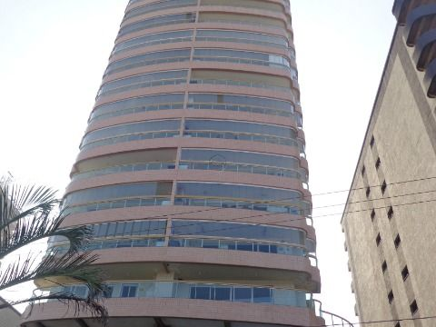 Apartamento 3 suites p/ Venda na Aviação Prédio à Beira Mar