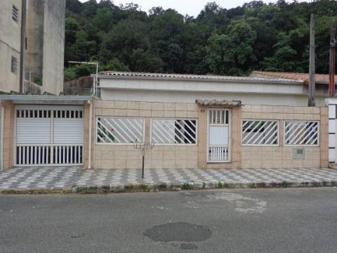 Casa Geminada Reformada 2 dormitórios p/ venda no Forte