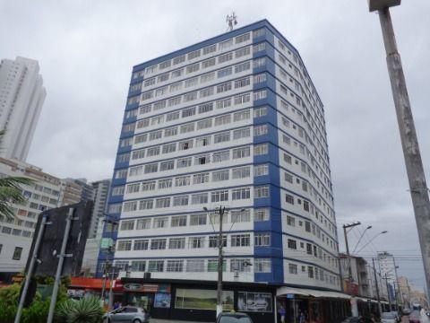 Apartamento Reformado 2 dormitórios p/ venda no Centro do Boqueirão Prédio à Beira Mar