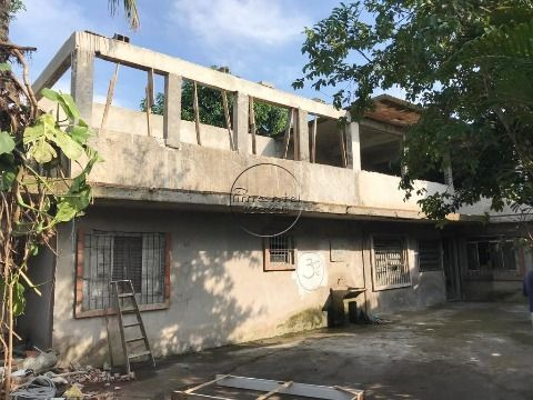 Sobrado 4 dormitórios p/ venda no J. Guaramar