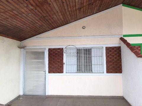 Casa 2 dormitórios p/ alugar na Guilhermina