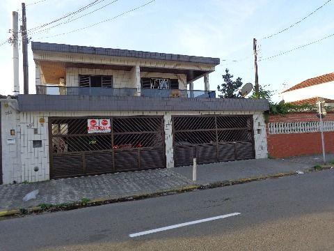 Sobrado 3 dormitórios p/ Venda e Locação Comercial no Boqueirão
