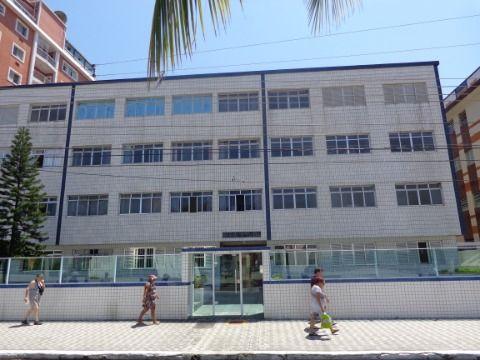 Apartamento Reformado 2 dormitórios p/ Alugar no Centro do Boqueirão - Prédio à Beira Mar