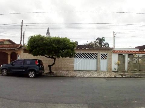 Casa Isolada 2 dormitórios p/ venda na V. Mirim