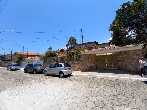 Casa Isolada c/ 3 suites p/ venda no Forte