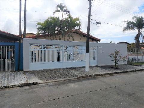 Casa Isolada Reformada 3 dormitórios p/ venda no Flórida