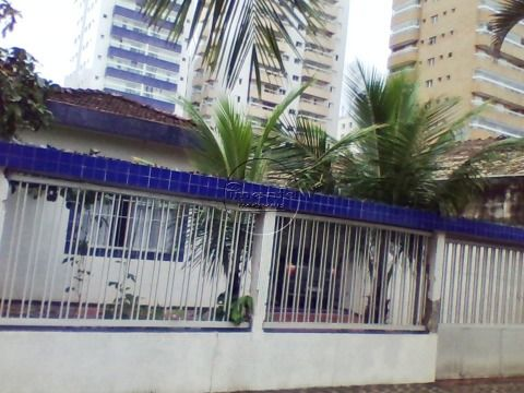 Casa Isolada 3 dormitórios p/ venda na V. Ocian
