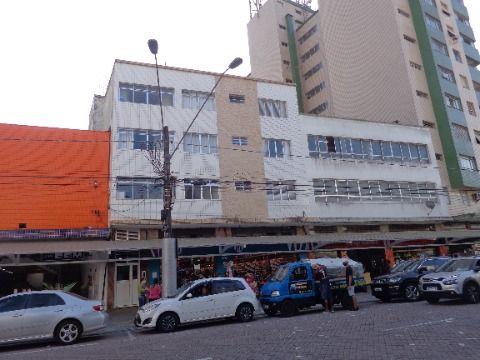 Apartamento Reformado 1 dormitório p/ venda no Centro Comercial do Boqueirão