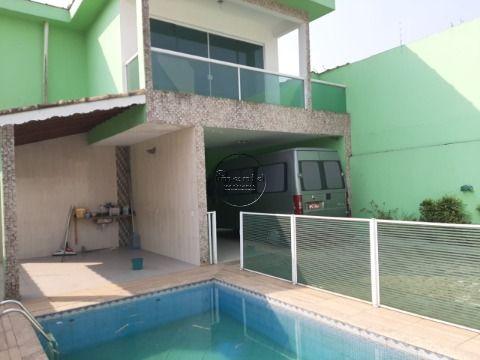 Sobrado 4 suites p/ venda em S. Vicente