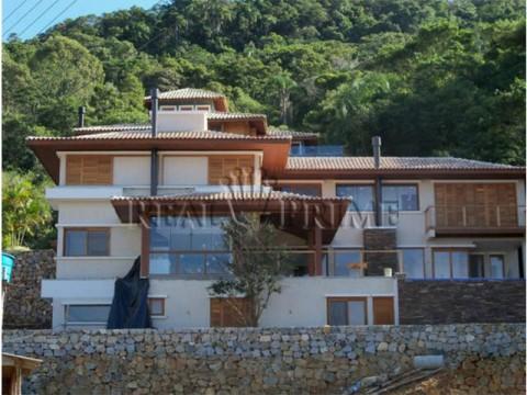 Casa a venda 4 suítes em condomínio fechado no Canto da Lagoa da Conceição