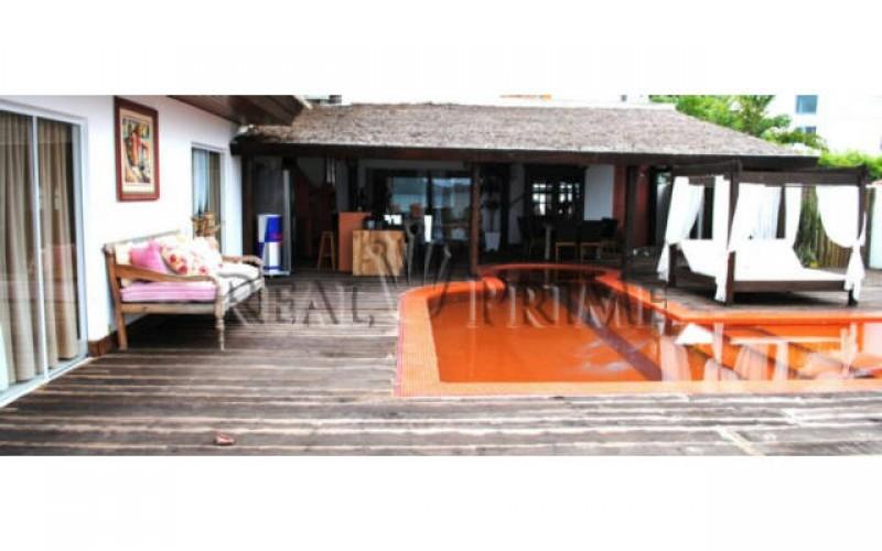 Casa Maravilhosa á Venda na Beira da Lagoa da Conceição - Foto 3