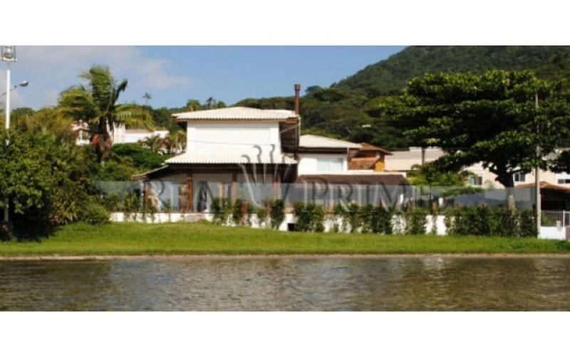 Casa Maravilhosa á Venda na Beira da Lagoa da Conceição - Foto 11
