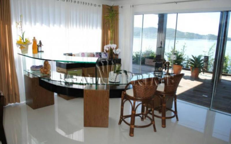 Casa Maravilhosa á Venda na Beira da Lagoa da Conceição - Foto 5