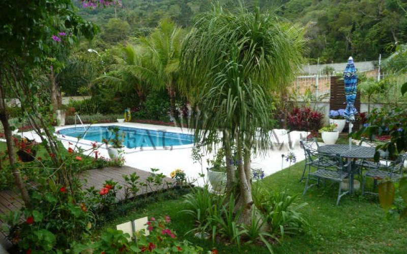 Linda Casa de 705 m² no Bairro Cachoeira do Bom Jesus. - Foto 2