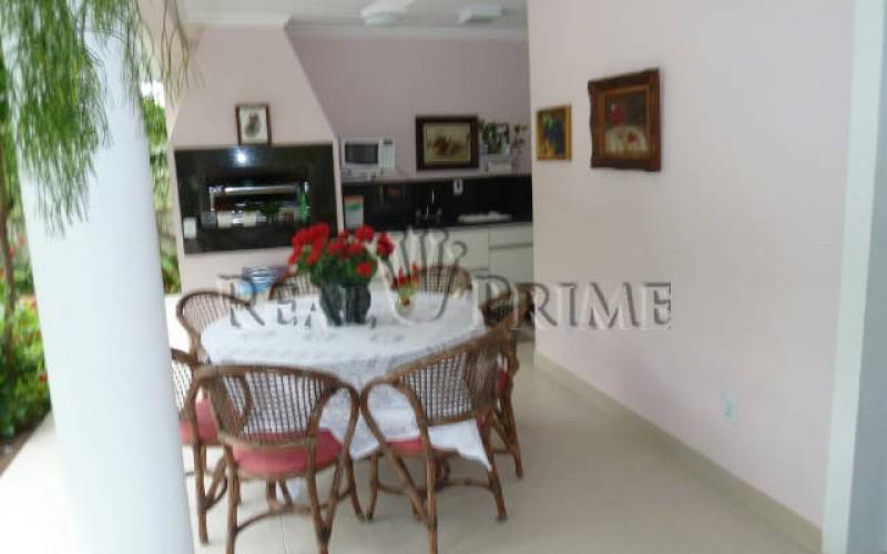 Linda Casa de 705 m² no Bairro Cachoeira do Bom Jesus. - Foto 6
