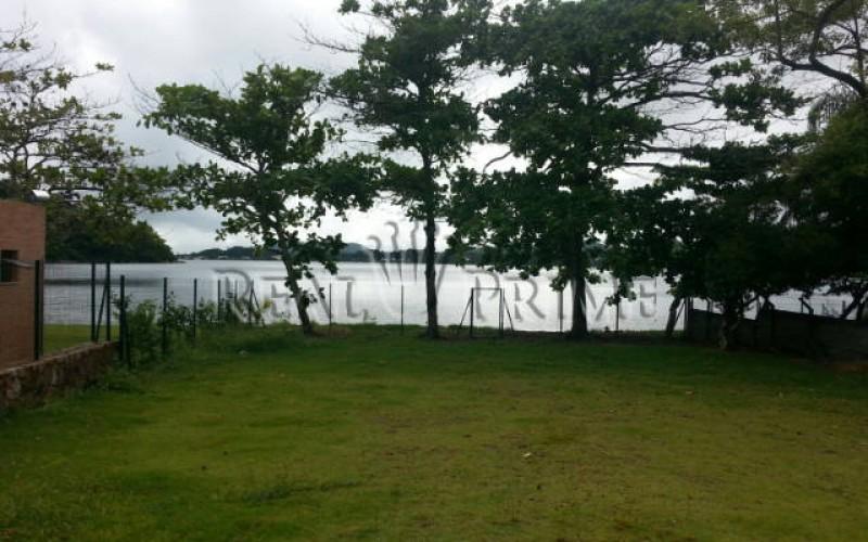 Casa de Alto Padrão em Condominio Fechado na Beira da Lagoa da - Foto 4