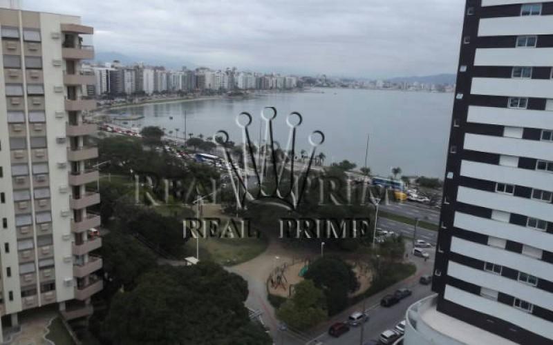 Apartamento na Agronomica com Vista Para á Beira Mar.