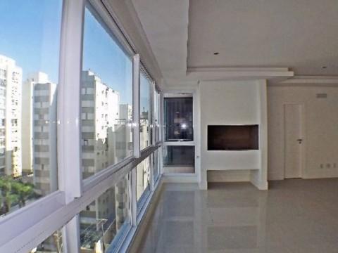 Amplo apartamento com 4 suites.