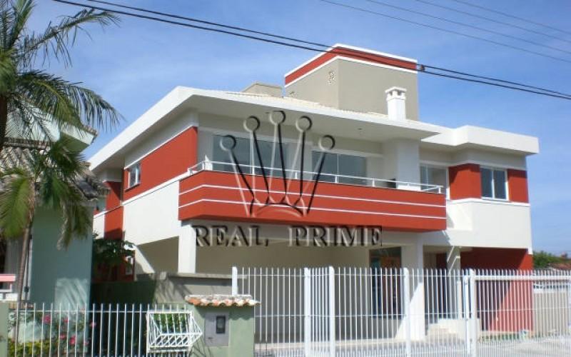 Apartamento de Dois Dormitorios na Lagoa da Conceição.