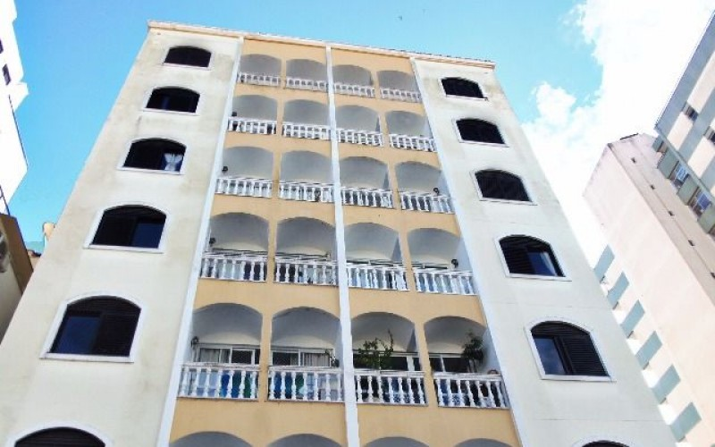 Amplo Apartamento no Centro de Florianópolis