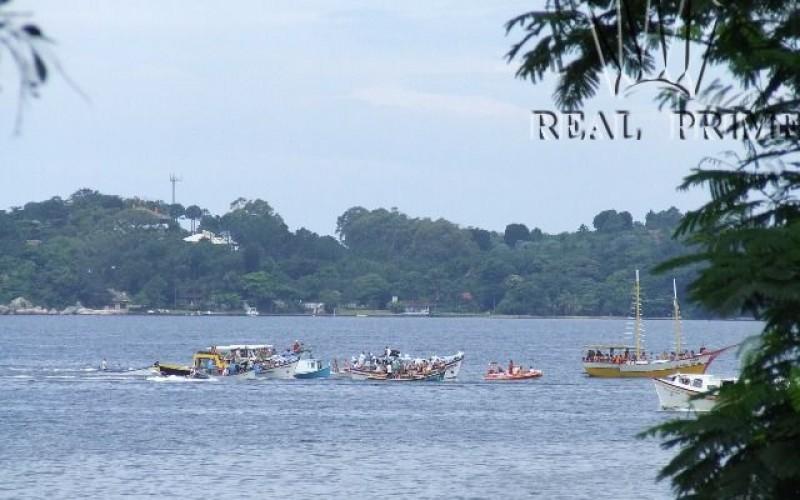 Linda Casa na Beira da Lagoa da Conceição! - Foto 7