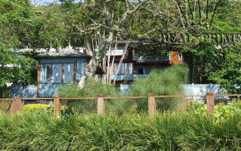 Linda Casa na Beira da Lagoa da Conceição! - Foto 33