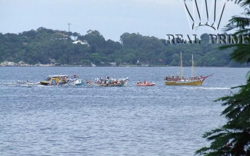 Linda Casa na Beira da Lagoa da Conceição! - Foto 37