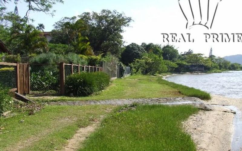 Linda Casa na Beira da Lagoa da Conceição! - Foto 30