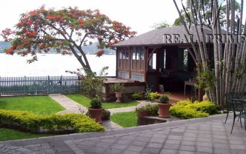 Linda Casa na Beira da Lagoa da Conceição! - Foto 3