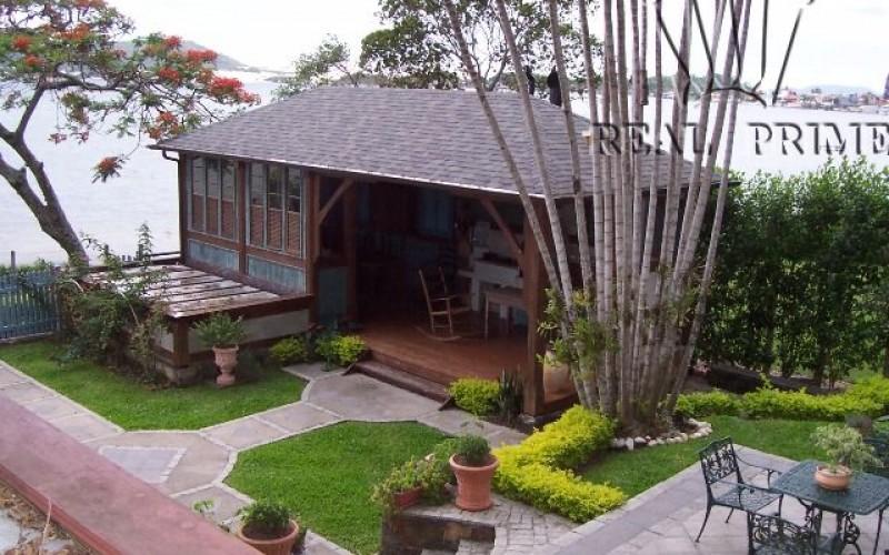 Linda Casa na Beira da Lagoa da Conceição! - Foto 2
