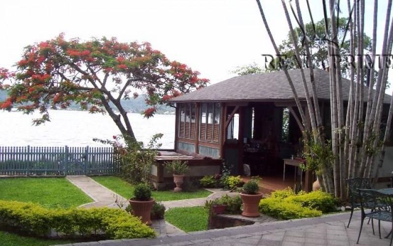 Linda Casa na Beira da Lagoa da Conceição! - Foto 45
