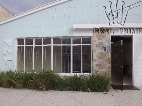 Casa no Centro de Florianópolis com amplo terreno.