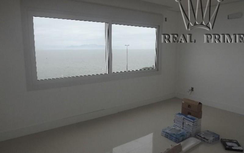 Apartamento Frente Mar Reformado - Foto 22