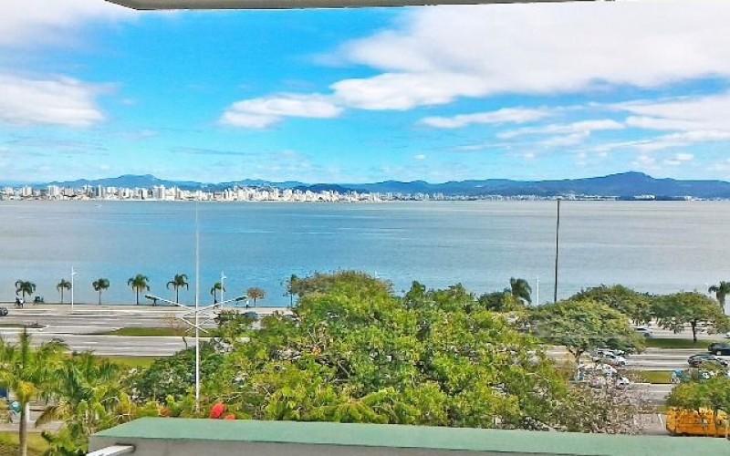 Lindo Apartamento Frente Mar na Beira Mar Norte !!