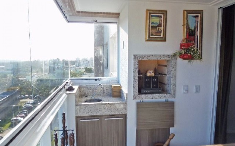 Apartamento 3 Dormitórios é 3 Vagas de Garagem - Itacorubi. - Foto 7