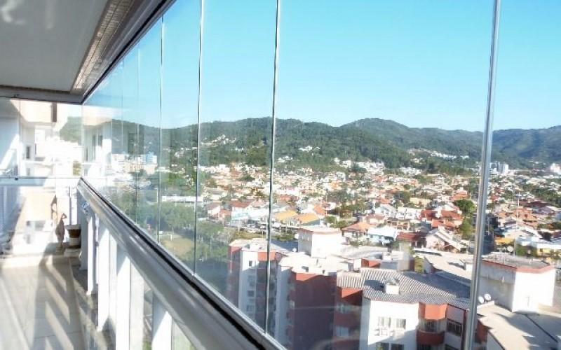 Apartamento 3 Dormitórios é 3 Vagas de Garagem - Itacorubi. - Foto 11