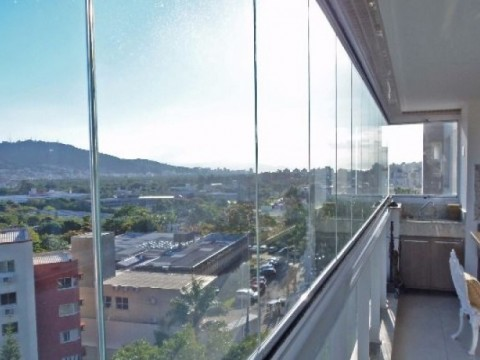 Apartamento 3 dormitórios e 3 vagas de garagem - Itacorubi.