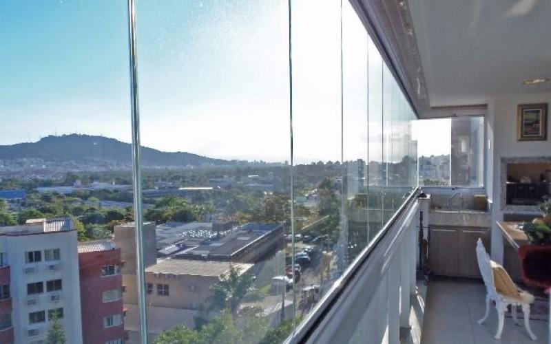 Apartamento 3 Dormitórios é 3 Vagas de Garagem - Itacorubi.