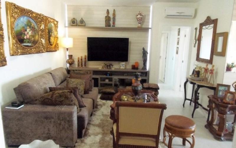 Apartamento 3 Dormitórios é 3 Vagas de Garagem - Itacorubi. - Foto 5