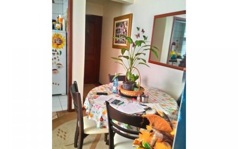 Imóvel: Dois Dormitorios em Frente á Udesc