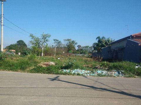 Terreno à venda com 1429 m² no Parque Shangrila - Pindamonhangaba/SP
