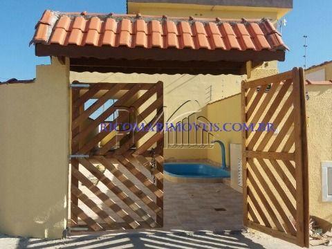 Casa 2 dormitórios em Itanhaém com Piscina