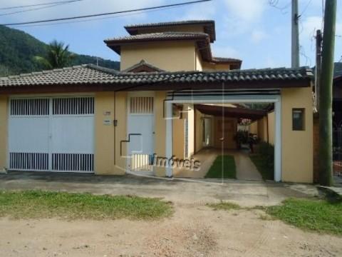 Belíssima Casa em Barequeçaba com acabamento de Primeira!
